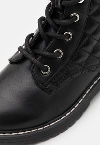 Steve Madden - JBETTY - Lace-up ankle boots - black