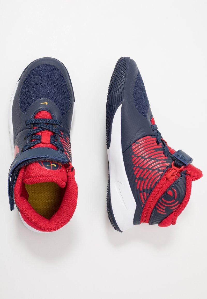 Nike Performance - TEAM HUSTLE D 9 FLYEASE UNISEX - Basketbalové boty - midnight navy/university red/white