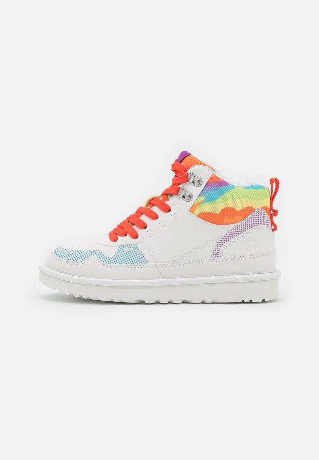 HIGHLAND CALI COLLAGE - Sneakersy wysokie - rainbow