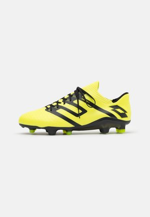 MAESTRO 100 IV FG - Moulded stud football boots - safety yellow/all black