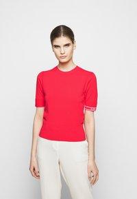 KARL LAGERFELD - PUFF LOGO - Print T-shirt - tangerine - 0