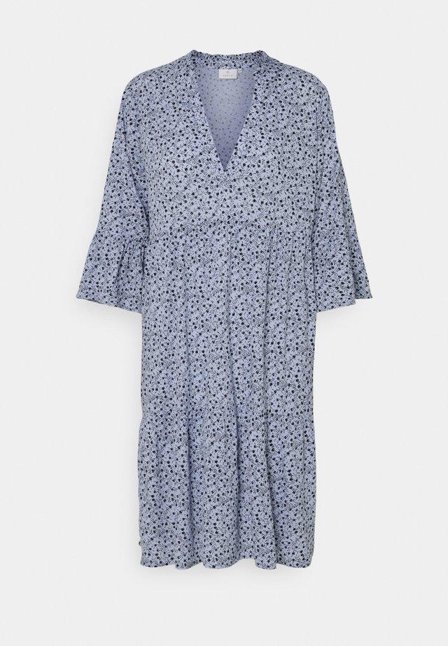 BERNA AMBER DRESS - Hverdagskjoler - chambray blue
