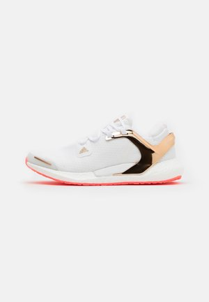 ALPHATORSION BOOST - Zapatillas de running neutras - footwear white/copper metallic/signal pink