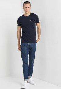 Calvin Klein Jeans - SMALL INSTIT LOGO CHEST TEE - Basic T-shirt - blue - 1