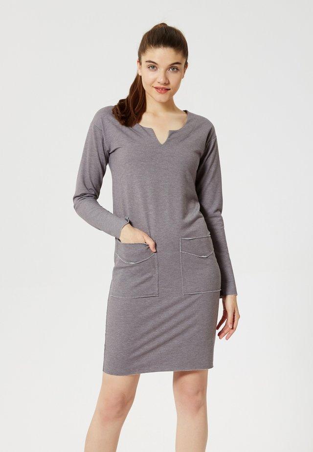 Vestido de tubo - gris mélangé