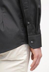 Eton - SLIM FIT - Formální košile - black - 5