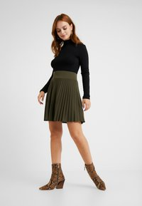 Anna Field Petite - A-line skirt - olive night - 1