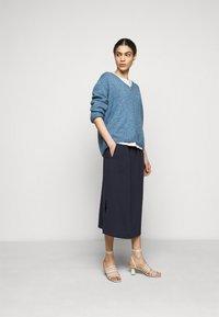 CLOSED - JADEN - A-line skirt - dark night - 1