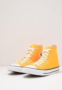 Converse - CHUCK TAYLOR ALL STAR  - Sneakers hoog - laser orange - 2