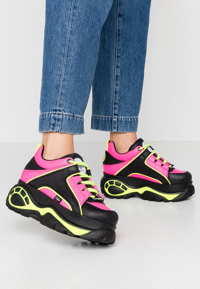 Sneakers basse - black/fuchsia