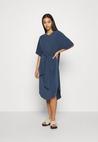 Monki - HESTER DRESS - Jerseykjole - navy blue - 0