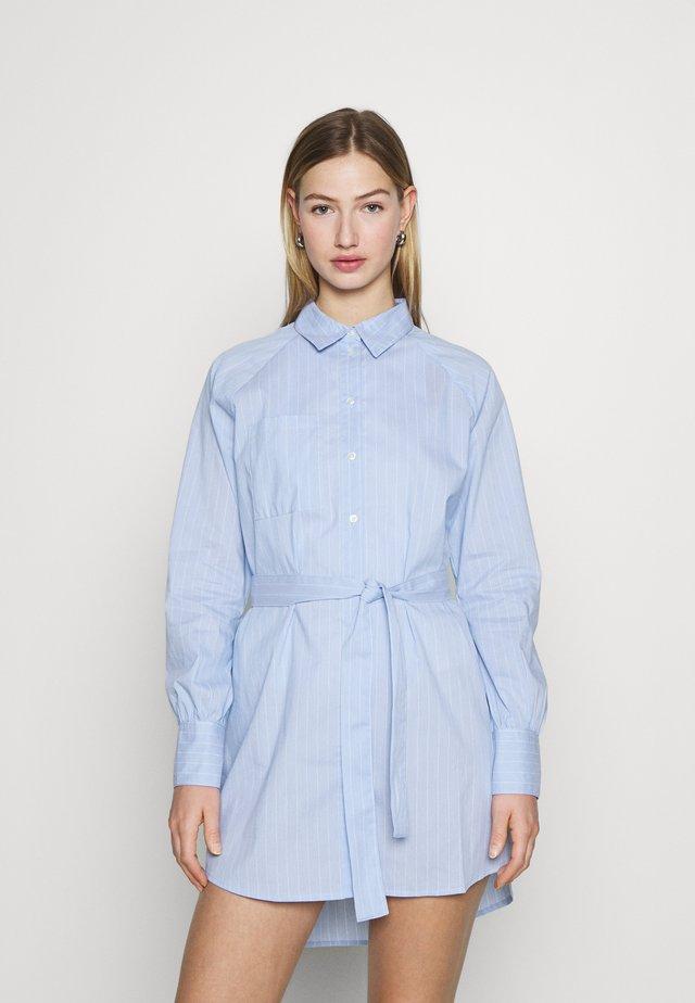 ONLNESSA LOOSE SHIRT DRESS - Shirt dress - granada sky/granada sky bright
