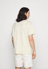 Nike Sportswear - TEE POCKET - T-shirt - bas - coconut milk - 2