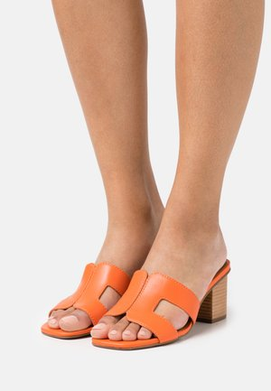 JUPE - Heeled mules - orange