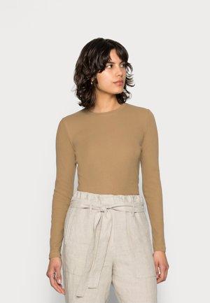ALEXA - Camiseta de manga larga - camel