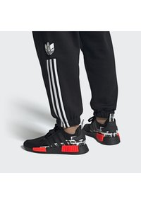 adidas Originals - NMD_R1 BOOST SHOES - Sneakers basse - black - 0
