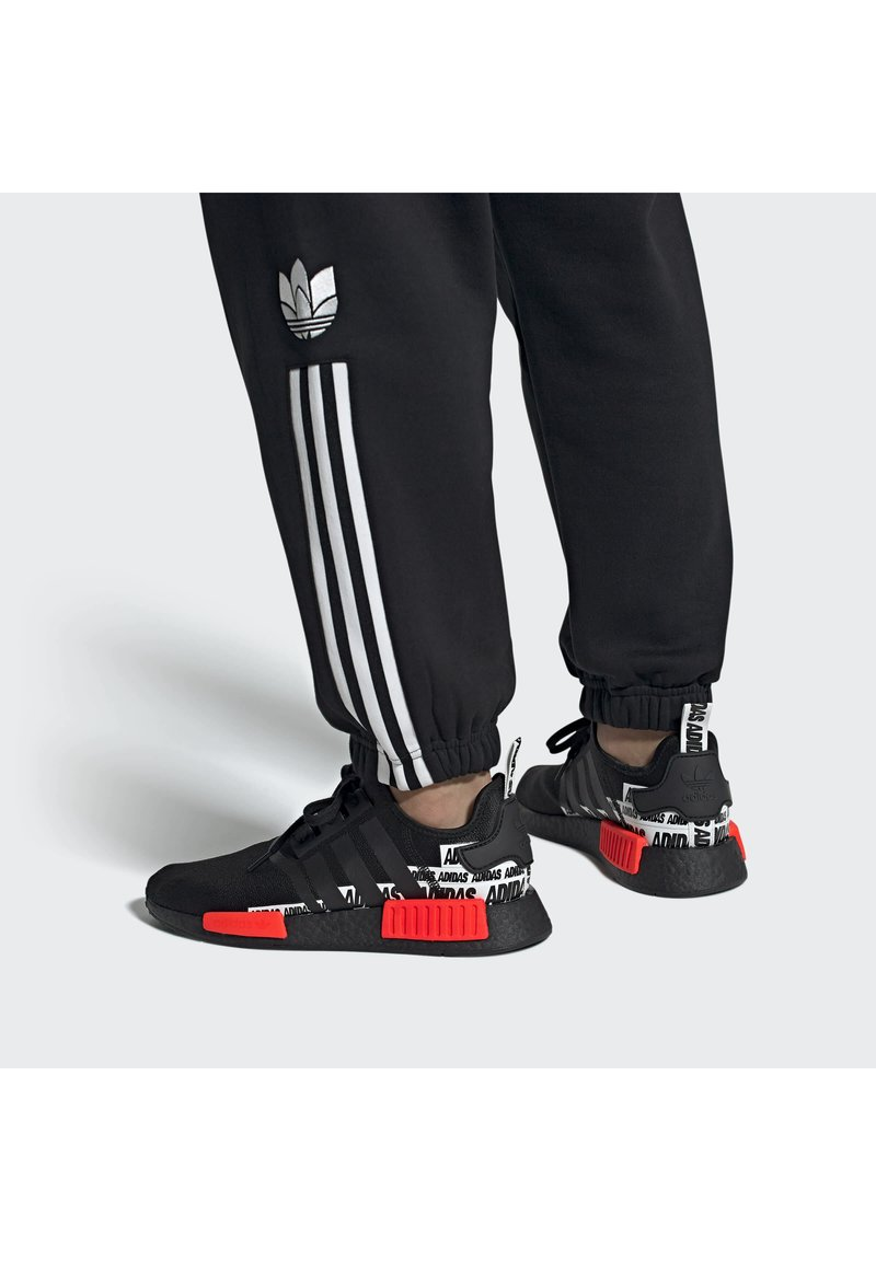 adidas Originals - NMD_R1 BOOST SHOES - Sneakers basse - black