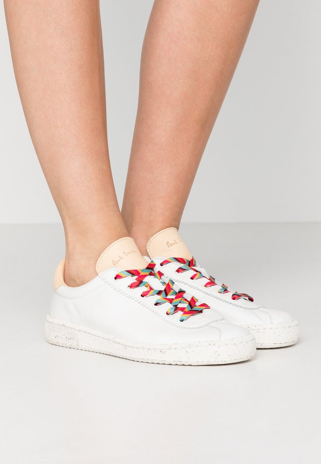 DUSTY - Sneakers basse - white