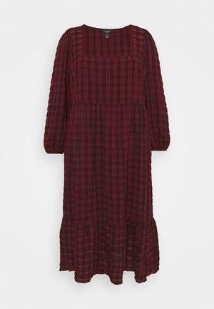 CHECK SEERSUCKER SMOCK - Day dress - red