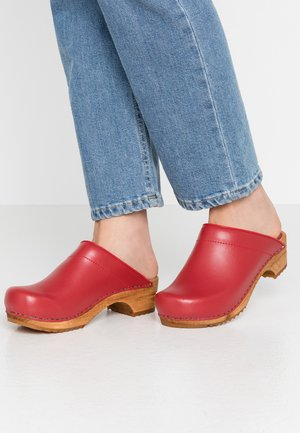 LOTTE OPEN - Clogs - red