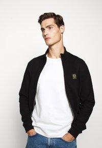 Belstaff - ZIP THROUGH - Zip-up hoodie - black - 4