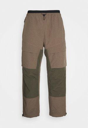 Kalhoty - olive grey/twilight marsh/black
