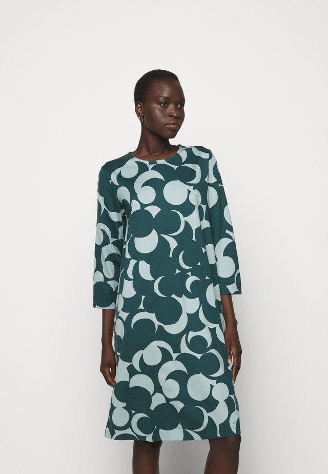 RIIPPUMATON MURIKAT DRESS - Hverdagskjoler - muted turquoise/deep petrol