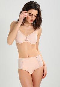 Chantelle - MAGNIFIQUE SEXY - Underwired bra - beige - 1