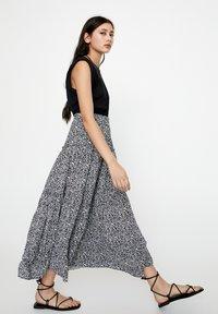 PULL&BEAR - Maxi skirt - black - 4