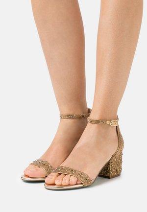 MARI - Sandales - gold