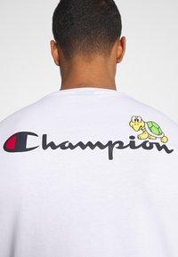 Champion Rochester - CREWNECK NINTENDO - Print T-shirt - white - 5
