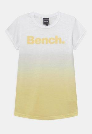 CASSIA - Camiseta estampada - white/yellow
