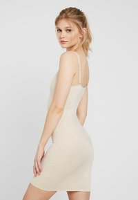 Maidenform - DRESS COVER YOURBASES - Shapewear - nude - 2