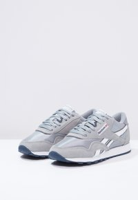 Reebok Classic - CLASSIC NYLON BREATHABLE LIGHTWEIGHT SHOES - Trainers - platinum/jet blue - 2