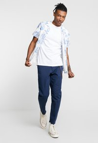 Topman - SKIN SLUB  - T-shirts - white - 1