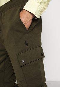 Polo Ralph Lauren - DOUBLE TECH - Træningsbukser - olive - 6