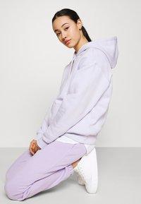 Monki - Hoodie - lilac purple dusty light solid - 3