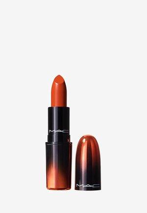 LOVE ME LIPSTICK - Lipstick - breadwinner