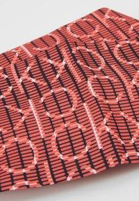 Calvin Klein - DIGITAL PRINT HEADBAND - Hair Styling Accessory - pink - 4