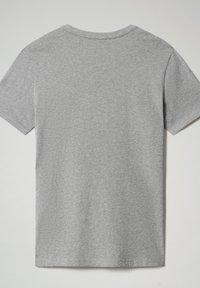 Napapijri - S-SURF FLAG - Print T-shirt - medium grey melange - 5