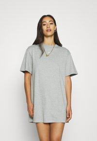Nike Sportswear - Vestido ligero - dark grey heather/white - 0