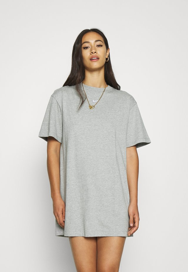 DRESS - Robe en jersey - dark grey heather/white