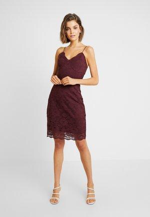 VMFLORENCE SINGLET DRESS - Vapaa-ajan mekko - port royale