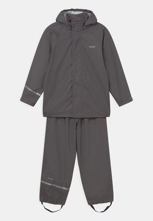 BASIC RAINWEAR SOLID SET UNISEX - Pantalones impermeables - grey