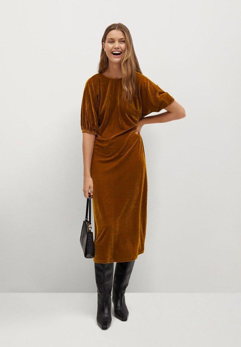Mango - Denní šaty - mostaza