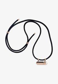Six - Tech-accessoires - black plus - 0