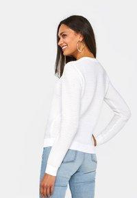 WE Fashion - Cardigan - off-white - 2