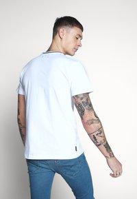 Le Fix - TEE - T-shirts basic - white - 2