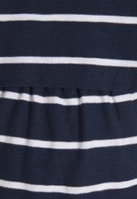 JoJo Maman Bébé - MATERNITY & NURSING DOUBLE LAYER - Print T-shirt - navy/white - 2