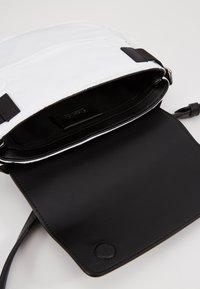 KARL LAGERFELD - IKON BELT BAG - Bum bag - white - 4